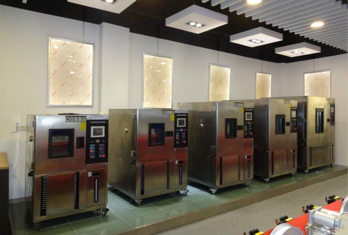 氙灯老化试验箱展厅